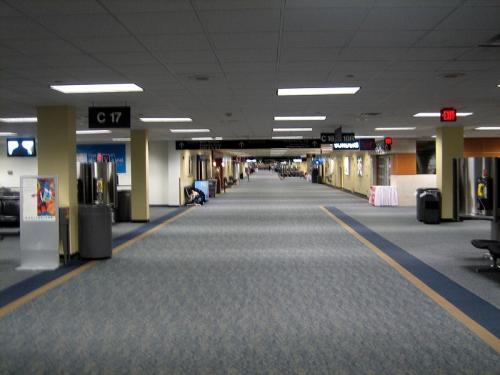dulles walkway